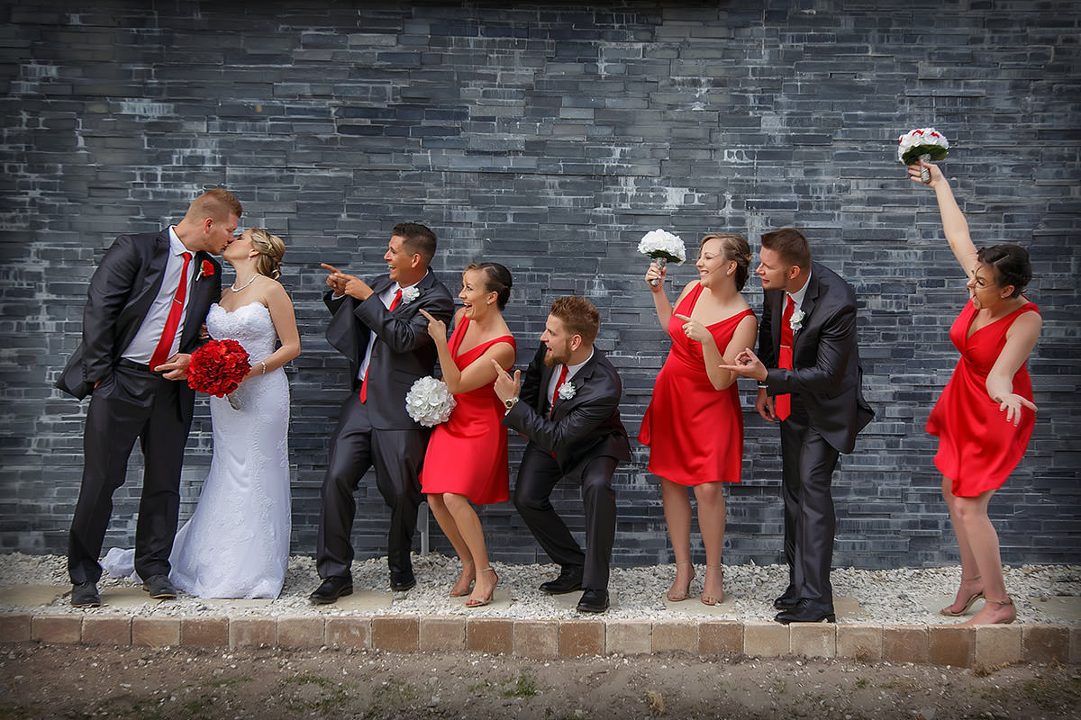 Wedding Photography Bridal Party with Bride and Groom